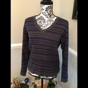 V-neck ribbed sweater gray and purple